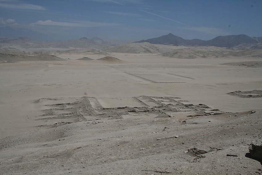 3-Vestigios-del-habitat-mochica.jpg
